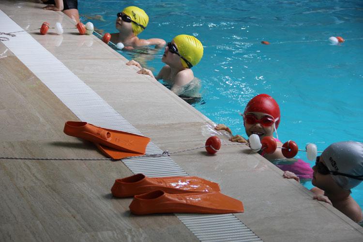 beylikdüzü yüzme kursları çocuk
