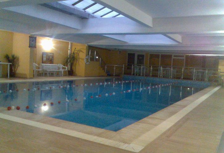 beylikdüzü yüzme kursu havuzu
